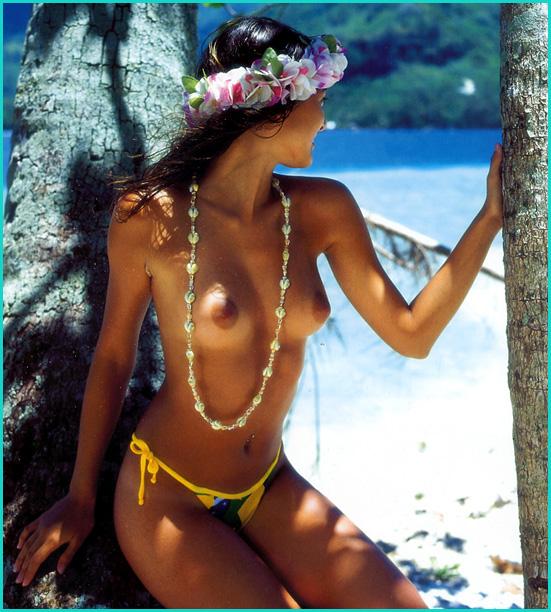 Les 12 plus belles filles du moment posent nues pour Lui