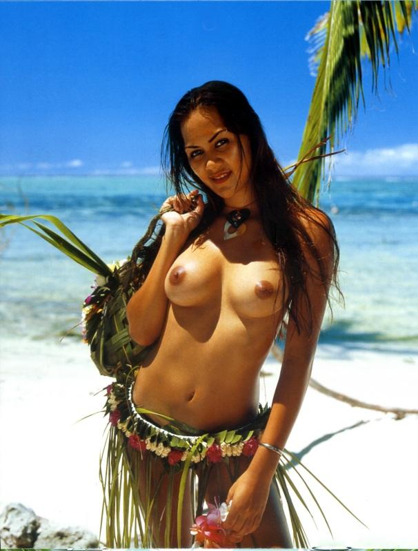 Vahine nue Tahiti