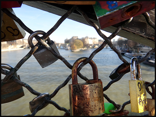 Ile de la cite vue des cadenas du pont des arts paris 2012