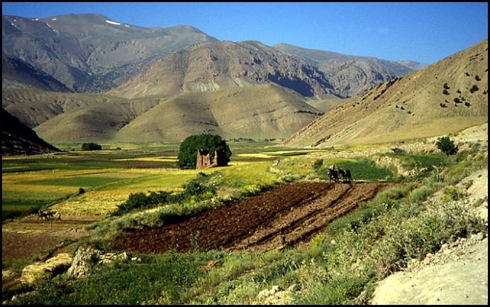 Randonnée dans le Haut Atlas central ; rencontre avec les Berbères au Maroc 29