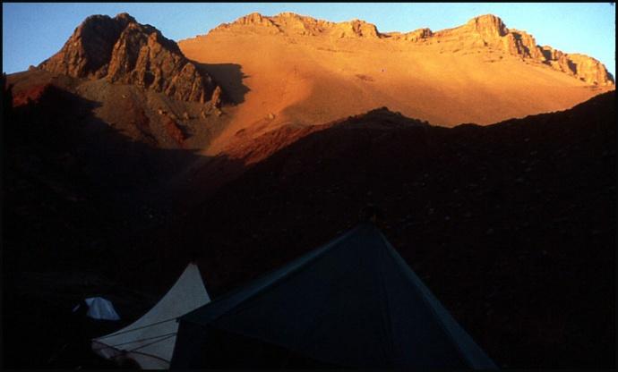 Randonnée dans le Haut Atlas central ; rencontre avec les Berbères au Maroc 28