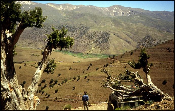 Randonnée dans le Haut Atlas central ; rencontre avec les Berbères au Maroc 5