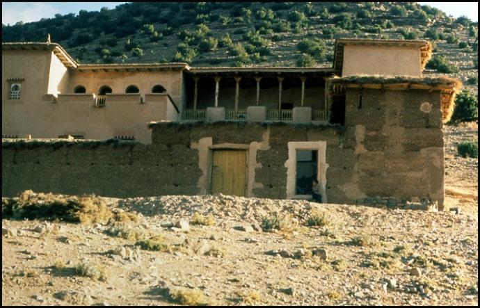 Randonnée dans le Haut Atlas central ; rencontre avec les Berbères au Maroc 2