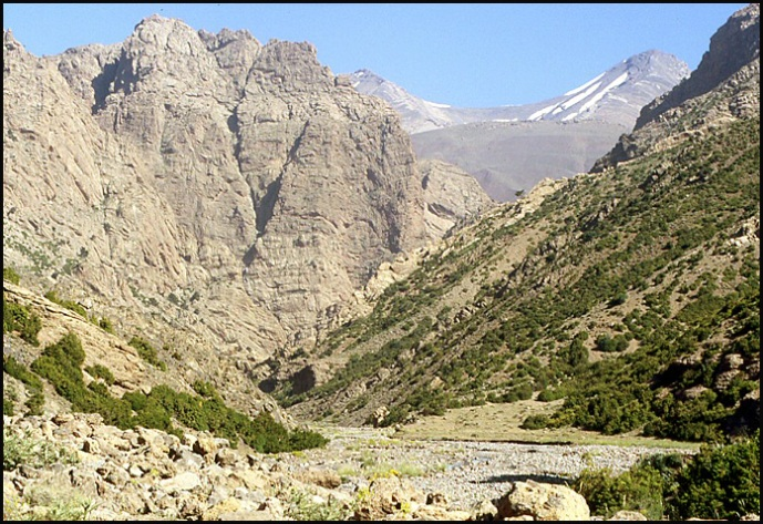 Randonnée dans le Haut Atlas central ; rencontre avec les Berbères au Maroc 54
