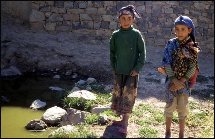 Randonnée dans le Haut Atlas central ; rencontre avec les Berbères au Maroc 10