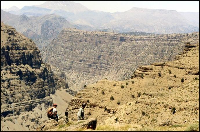 Randonnée dans le Haut Atlas central ; rencontre avec les Berbères au Maroc 27