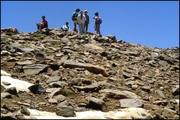 Randonnée dans le Haut Atlas central ; rencontre avec les Berbères au Maroc 24