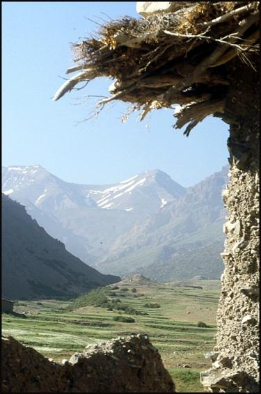 Randonnée dans le Haut Atlas central ; rencontre avec les Berbères au Maroc 56
