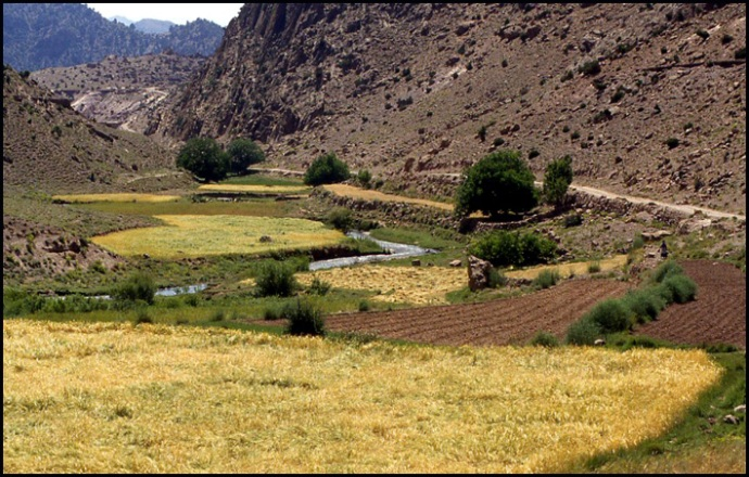 Randonnée dans le Haut Atlas central ; rencontre avec les Berbères au Maroc 11