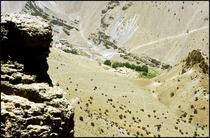 Randonnée dans le Haut Atlas central ; rencontre avec les Berbères au Maroc 26