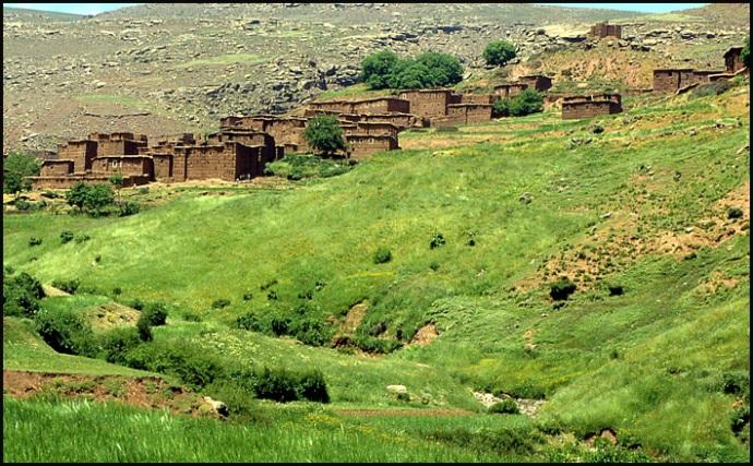 Randonnée dans le Haut Atlas central ; rencontre avec les Berbères au Maroc 38