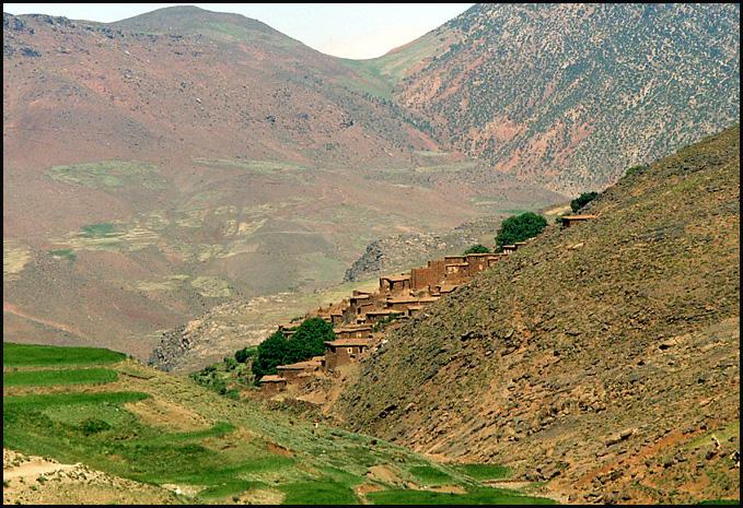 Randonnée dans le Haut Atlas central ; rencontre avec les Berbères au Maroc 31