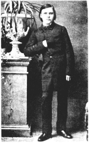 Nietzsche-jeune-homme