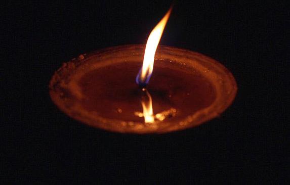 tibet flamme de lampe a beurre