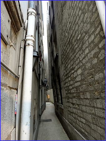 Paris impasse salembriere rue st severin