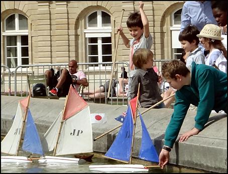 bateau bassin du luxembourg Paris