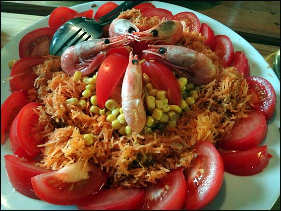 salade tomates crrvettes mais