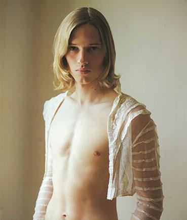 Adolescent Maigre Gros Seins Blond