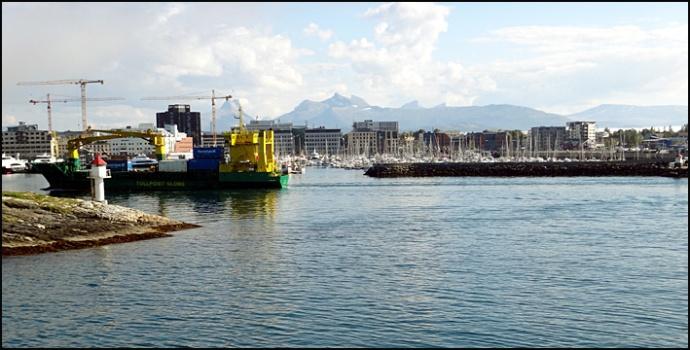 Bødø port