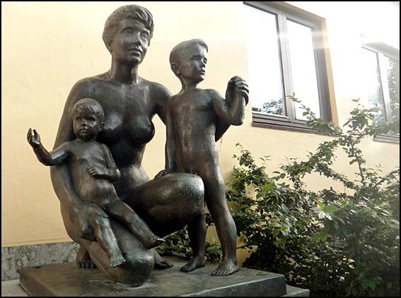 Bødø statues nues