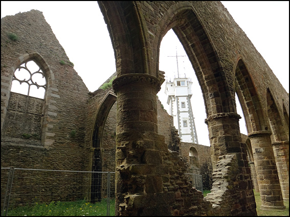pointe st mathieu abbaye
