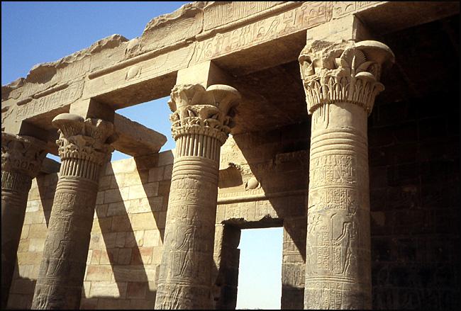 philae colonnes