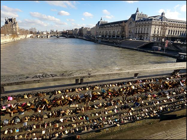 cadenas amoureux passerelle d orsay