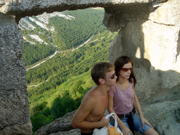 jeune couple russe forteresse chufut kale