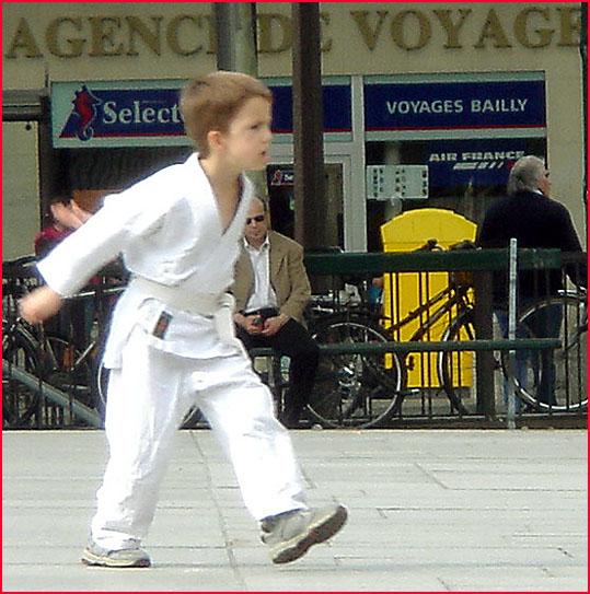 petit judoka Paris place st sulpice