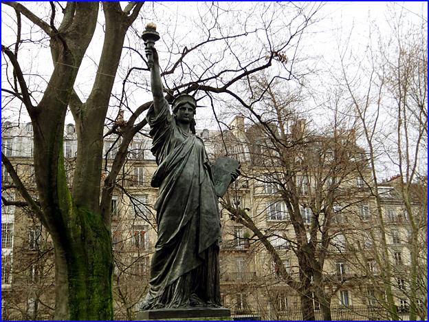 statue de la liberte paris luxembourg bartholdi