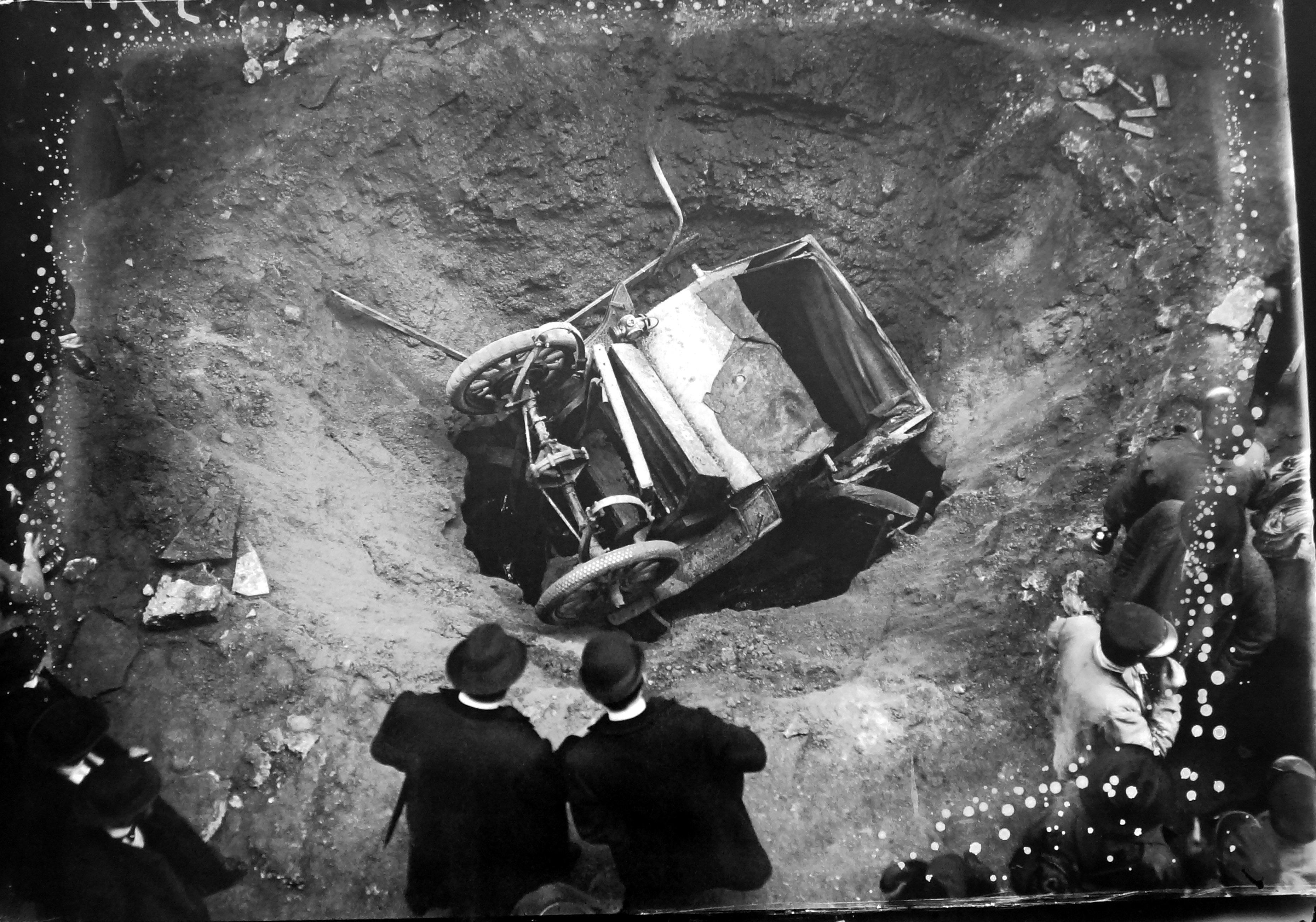attaque des gothas 8 mars 1918 senat expo 14-18 excelsior