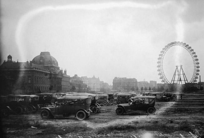autos requisitionnees invalides 1914 senat expo 14-18 excelsior