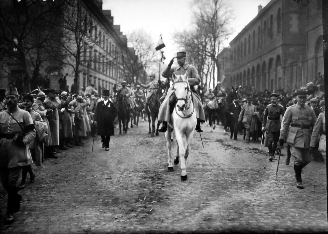 petain a metz 9 novembre 1918 senat expo 14-18 excelsior