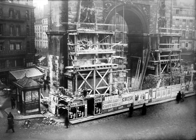 protection des monuments contre raids aeriens porte st denis 1917 senat expo 14-18 excelsior