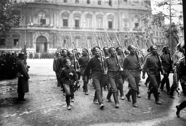 troupes russes a marseille avec mascotte 1916 senat expo 14-18 excelsior