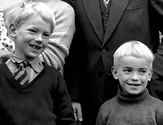 martin amis et son frere philip vers 7 ans