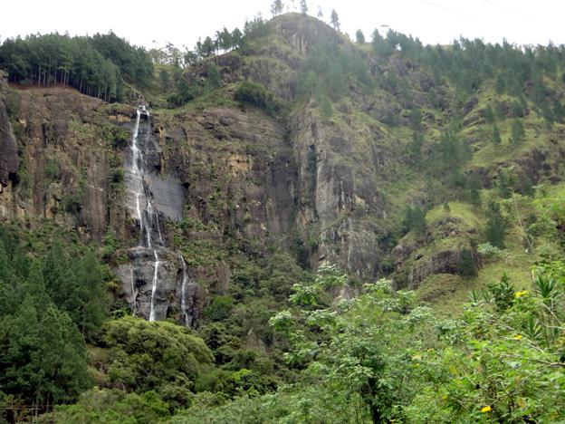 cascade Bambarakanda de 263 m sri lanka