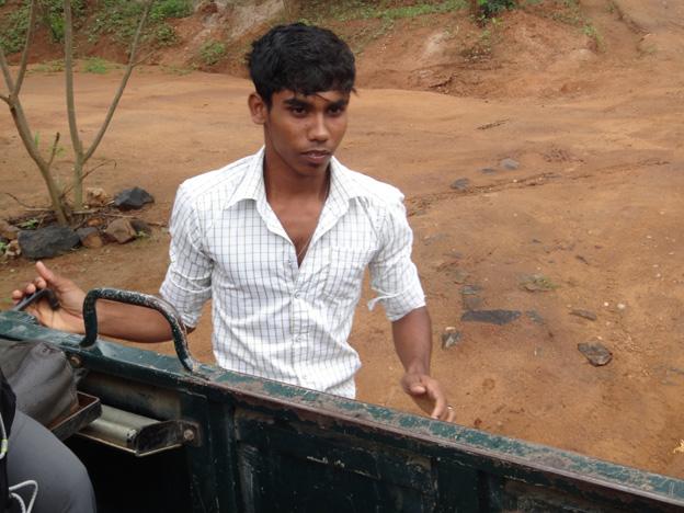 chauffeur parc national udawalawesri lanka