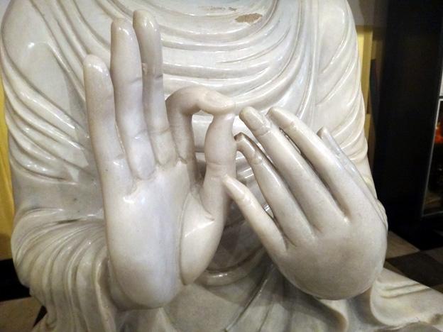 kandy mains de bouddha sri lanka