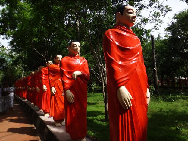 temple aux 500 bouddhas Anuradhapura sri lanka