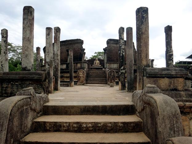 temple Polonnaruwa sri lanka