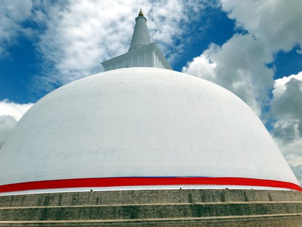 dagoba Thuparama Anuradhapura sri lanka
