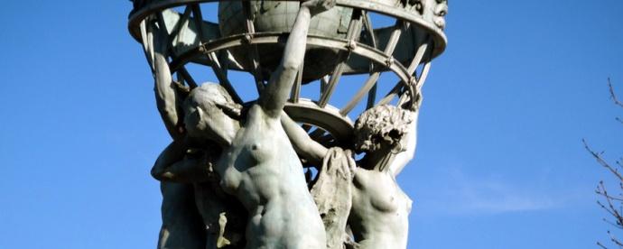 femmes seins nus paris observatoire