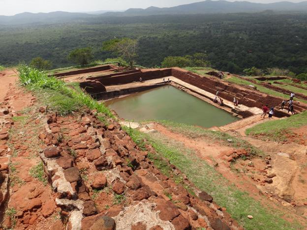 sigiriya bassin sommet rocher du lion sri lanka