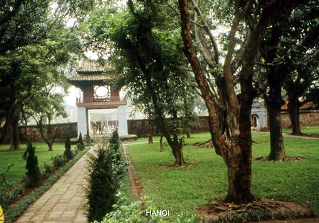 VIETNAM HANOI TEMPLE DE LA LITTERATURE
