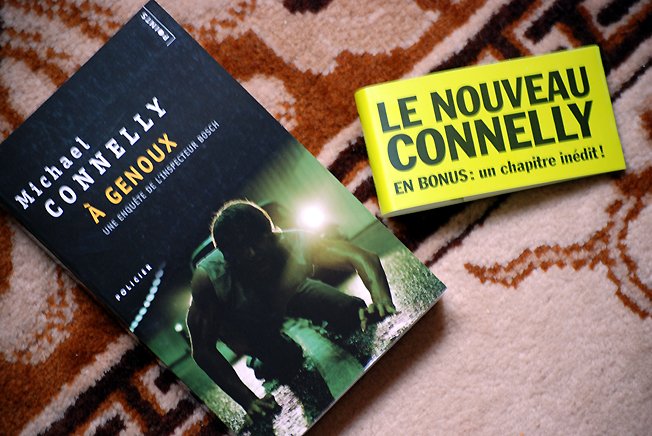 Michael Connelly a genoux