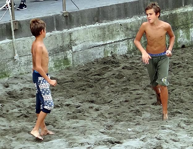 Jeunes Nudiste De La Petits Adolescents