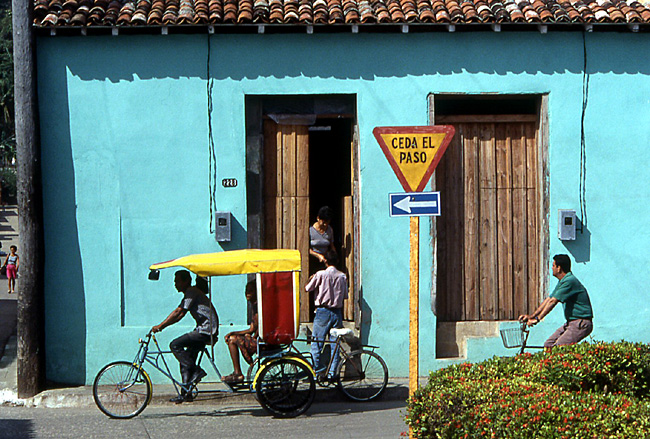 rue pastel baracoa cuba