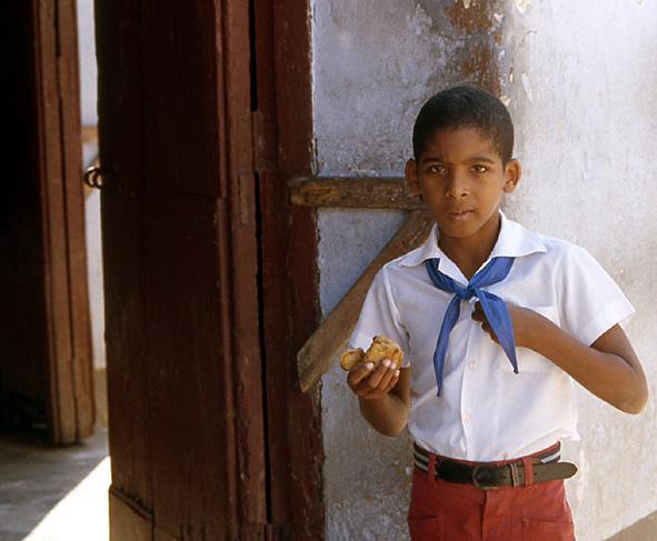ecolier en uniforme primaire trinidad cuba