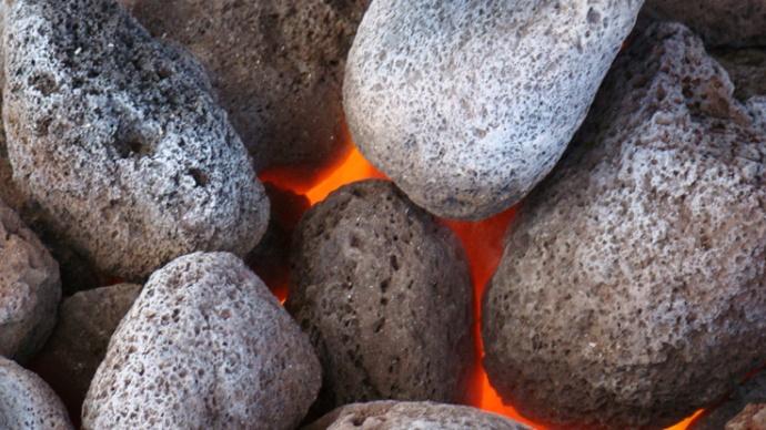 braises et pierres chaudes four tahitien